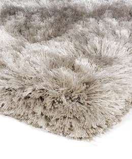 Shag_pile_rug_close_up