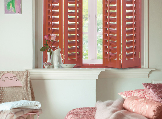 Red_shutters_1